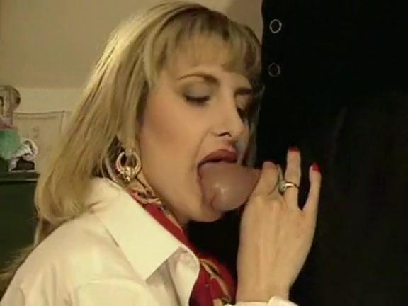 klarissa-bruni-i-nemtsi-porno-ostavlyat-li-rizhie-volosi-na-lobke
